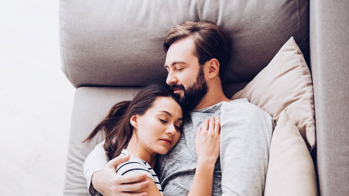 I Would Cuddle With You: Science Explains What Happens To Your Body When You Cuddle