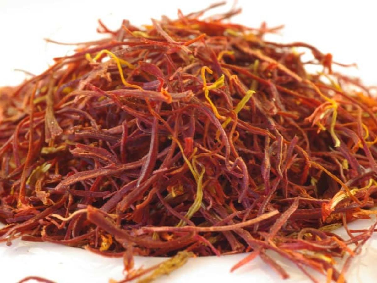 15 Amazing Health Benefits Of Saffron