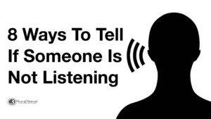 las personas socialmente inteligentes escuchan bien